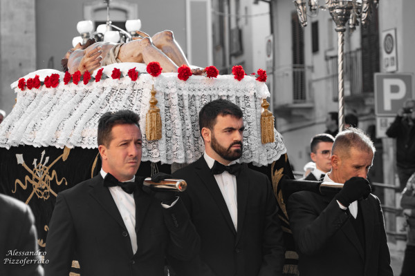processione-lauretana-venerdi-santo-7B990B1E4-C736-899E-7AE9-F3C143746F45.jpg