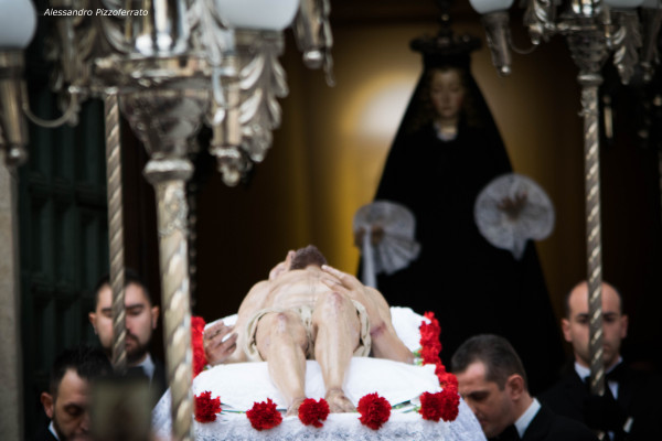 processione-venerd-santo-lauretani-48F85C6DA-4F67-BC26-85A5-5EFC90033D3B.jpg